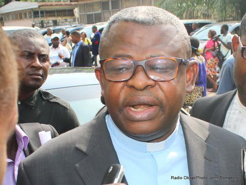 Près de 100.000 jeunes célèbrent le dimanche des Rameaux avec Mgr José MOKO à Idiofa !