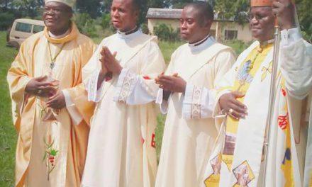 Deux séminaristes du diocèse d'Idiofa ordonnés diacres et six autres ont été vêtus ce 16 janvier à Kikwit.