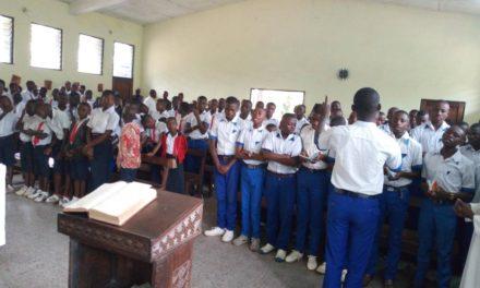 Les Petits séminaristes de Laba socialisent avec les élèves du Complexe Scolaire José Moko