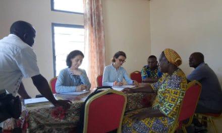 Une équipe d'Umanos  unidas  visite le COMBILIM et la Caritas diocésaine.