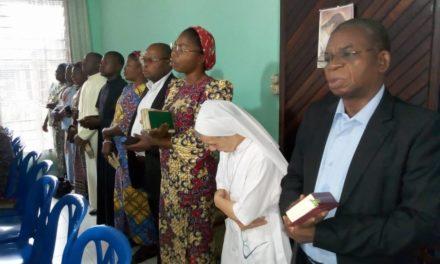 Les laudes inter-communautaires le samedi Saint à Idiofa !
