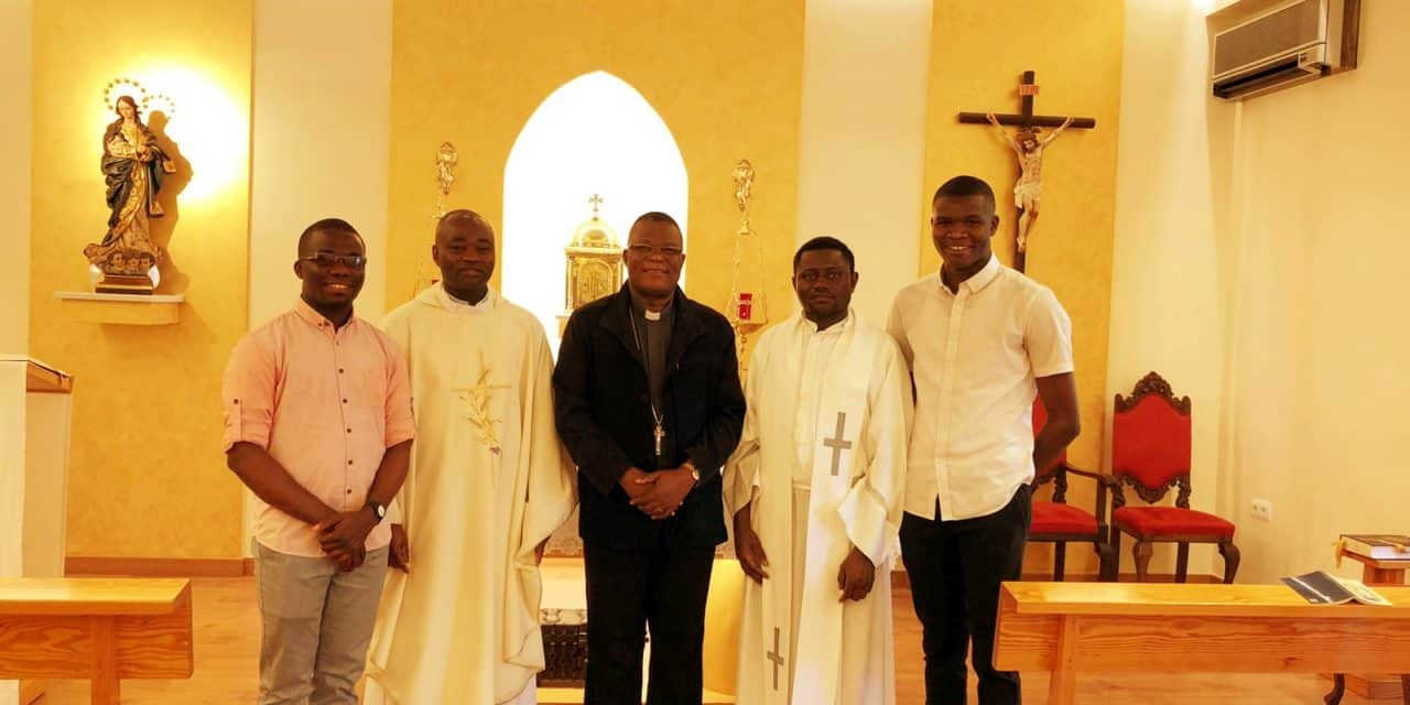 Monseigneur José Moko invité  en visite en Espagne !