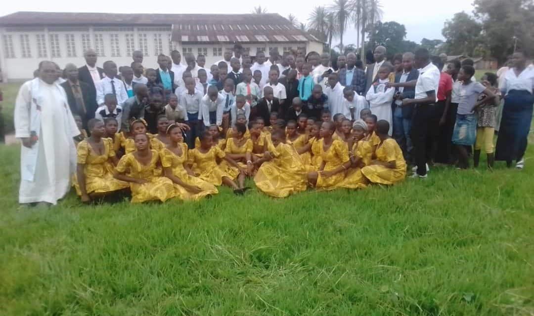 L'Abbé Alain redynamise la pastorale des Jeunes à Laba Central!