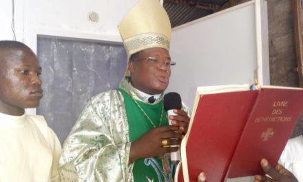 Monseigneur José Moko inaugure une nouvelle chambre froide à Idiofa !