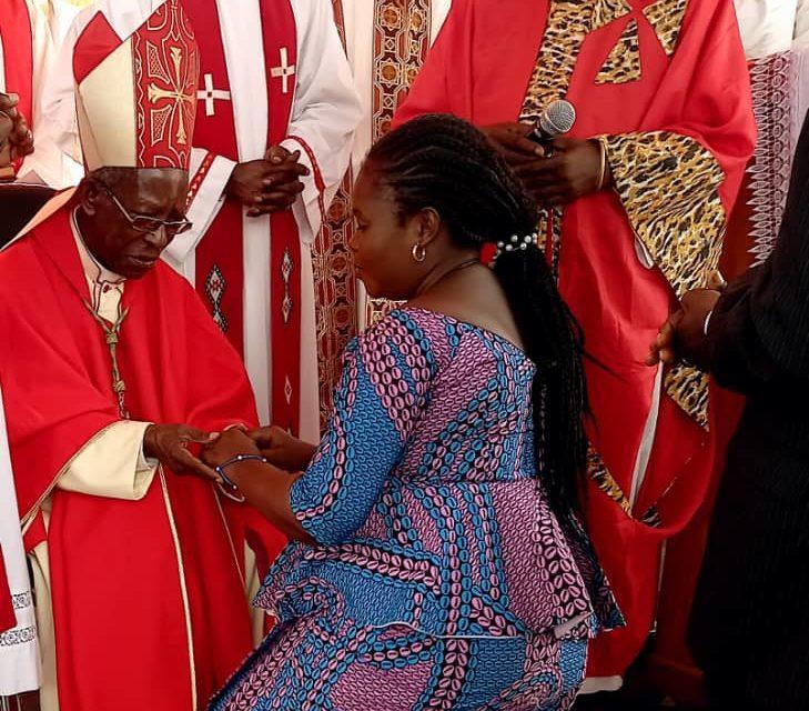 Monseigneur Louis Mbwol a célébré ses 90 ans d'âge en la solennité de la Pentecôte!