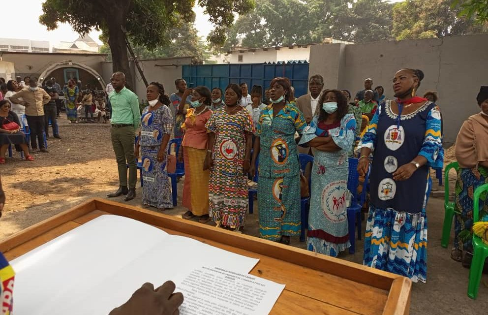 Les anciens Kizito et Anuarité du diocèse d'Idiofa sensibilisent sur les 35 ans du groupe dans le Diocèse d'Idiofa